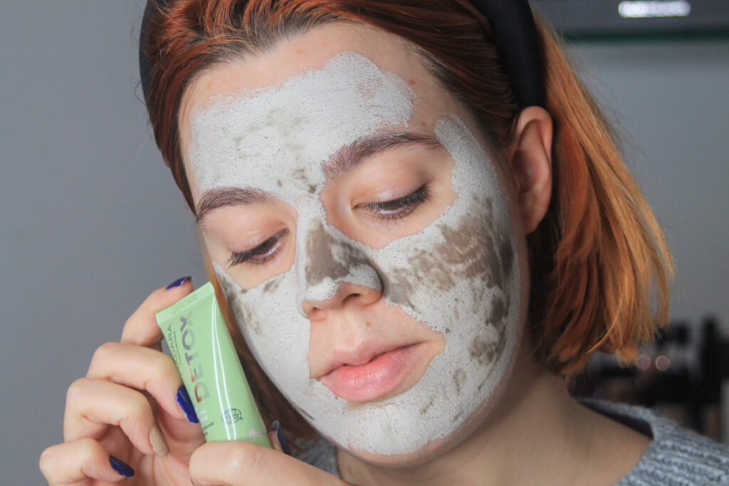 Madara - Ultra Puryfing Mud Mask applicata