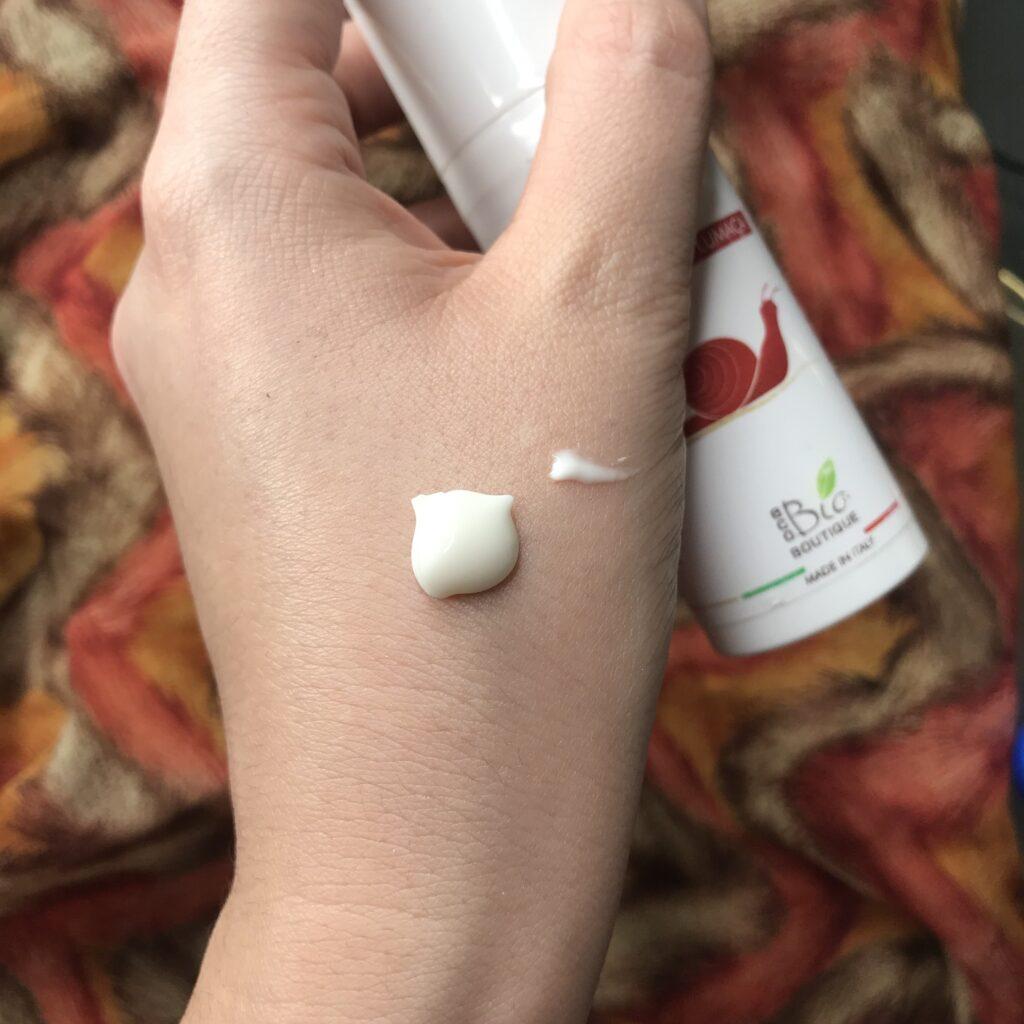 Eco Bio Botique - texture crema viso antimacchie bava di lumaca